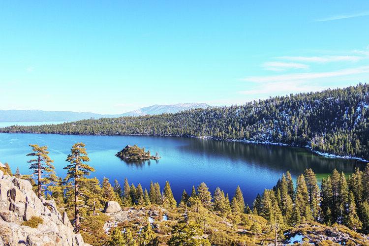 Freshmen rent Lake Tahoe house in lieu of dorm life
